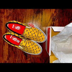 """Vans """"Off The Wall"""" x Supreme Slip-On Pro Sneakers"""